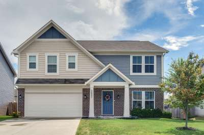 5607 W Woods Edge Drive, McCordsville, IN 46055